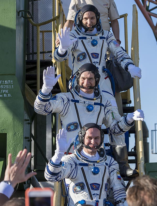 Expedition 52 flight engineer Randy Bresnik of NASA (top), flight engineer Paolo Nespoli, IZ0JPA of European Space Agency (middle), and flight engineer Sergei Ryazanskiy of Roscosmos (bottom). Photo Credit: (NASA/Joel Kowsky)